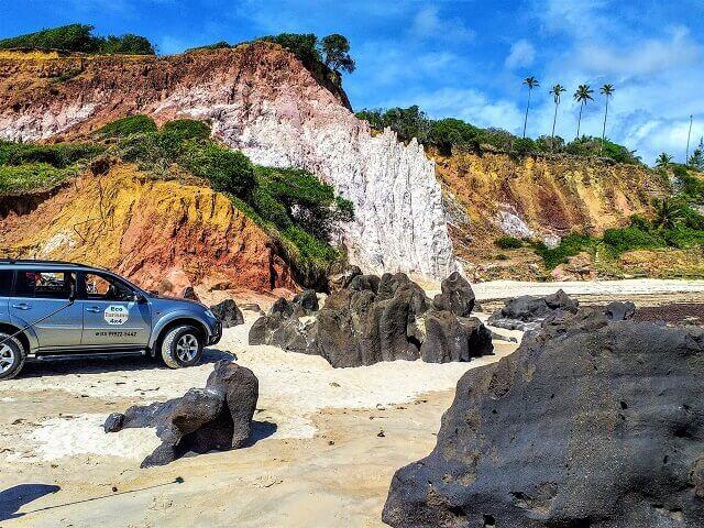 Pedras vulcânicas na Barra do Gramame