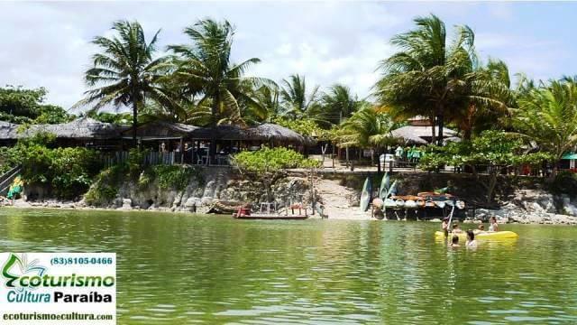 A lagoa da Praia Bela