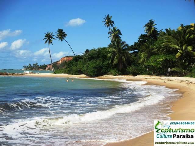 Praia de Tabatinga II com maré alta