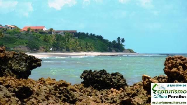Vista dos recifes da praia de Tabatinga