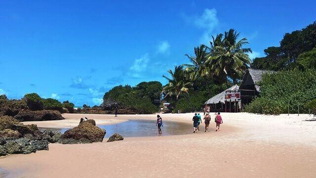Vista da praia de Tambaba (praias da Paraíba)